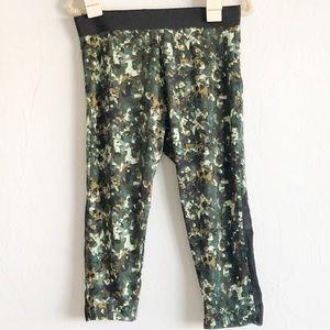 bdfaee3049614 Women's Plus Size Yoga Pants on Poshmark